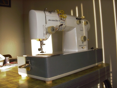 Nelco Amica Super Practical Sewing Machine