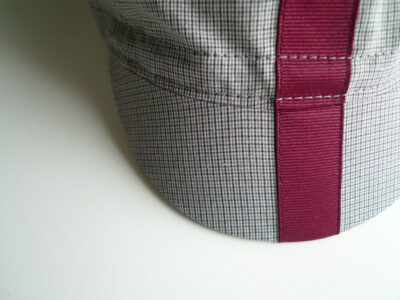 Plaid cotton cycling cap with burgundy ribbon