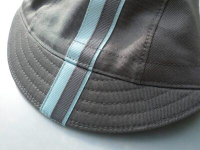 Grey cycling cap with ribbon